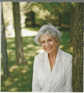 Alice Munro. Beautiful smile, yes?